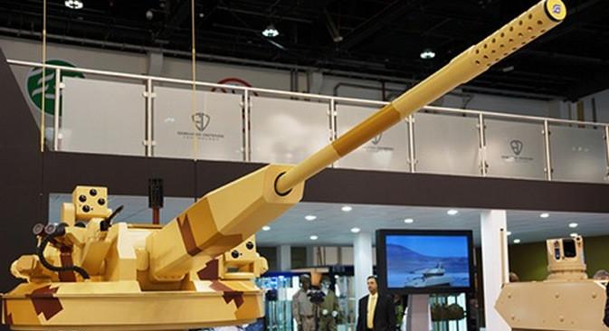 AU-220M - jedan od najboljih topova na svijetu. Međunarodna izložba naoružanja IDEX 2015.