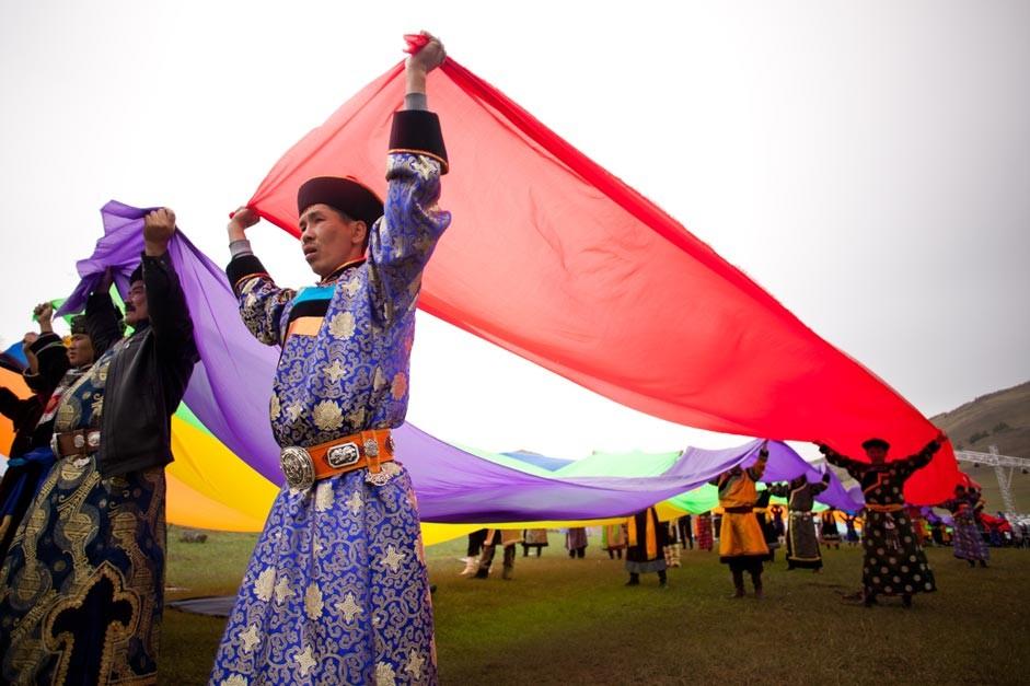 Burjati na festivalu narodne kulture v Irkutski regiji
