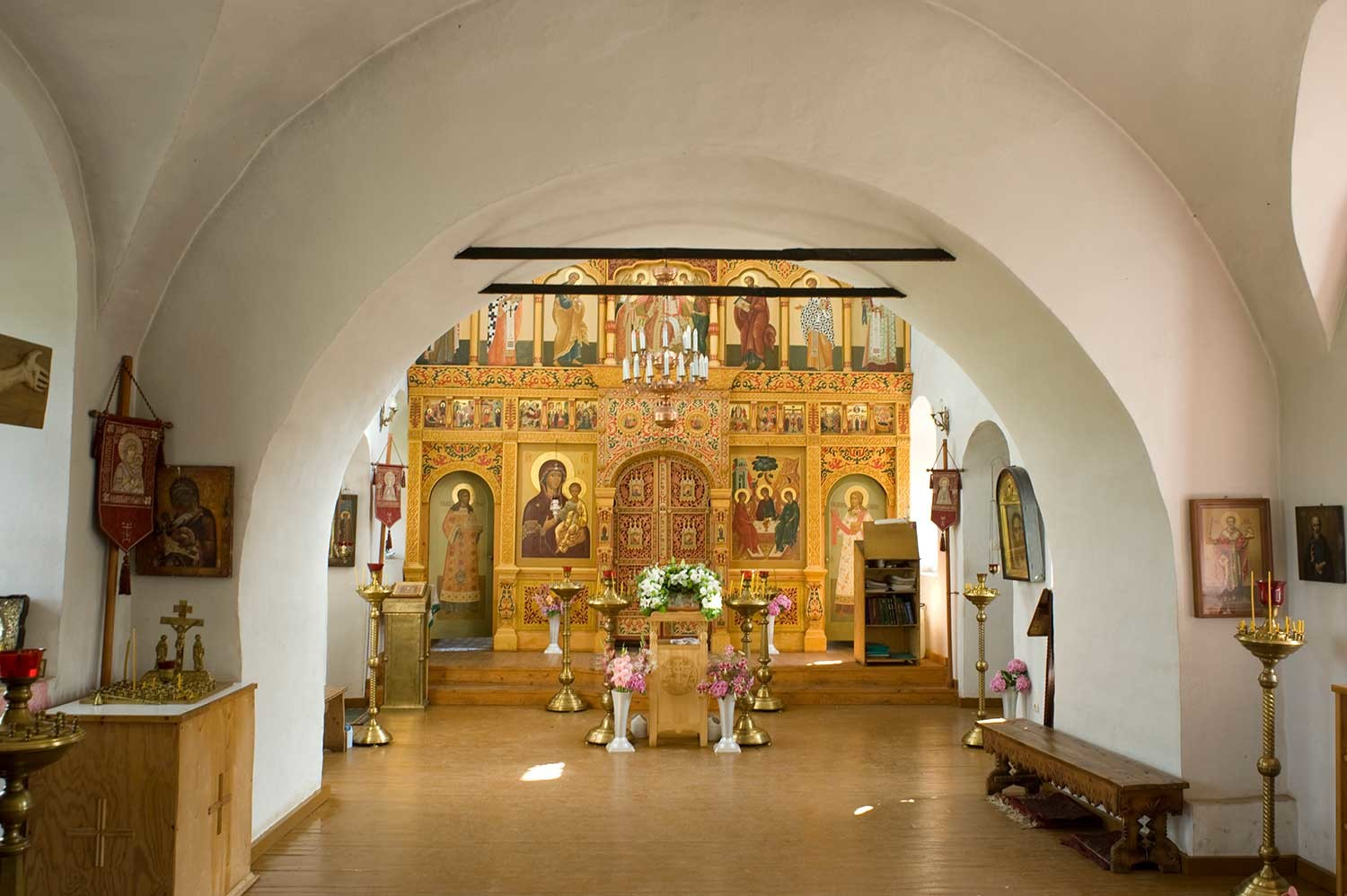 Church of the Smolensk Icon, upper level. View from vestibule toward icon screen. Aug. 21, 2012.