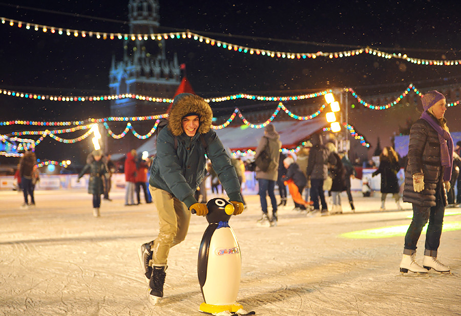 赤広場のスケートリンク。