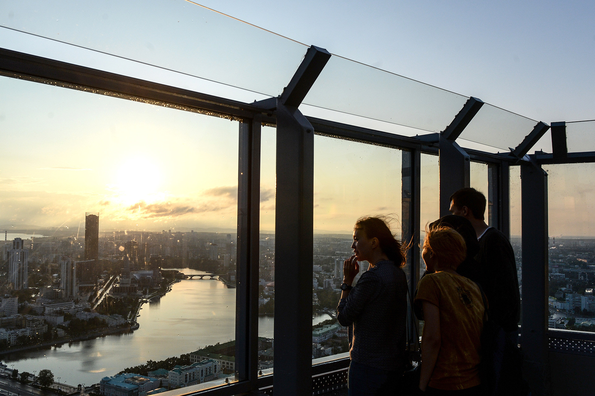 Visitors on the observation deck in the Vysotsky business center in Yekaterinburg.