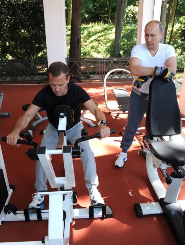 Dmitrij Medvedjev in Putin.