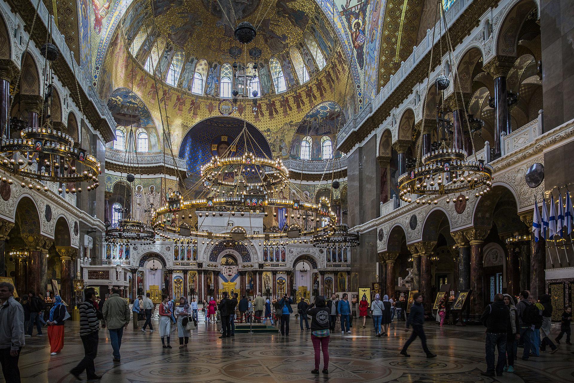 Notranjost Pomorske cerkve sv. Nikolaja, ki zares nekoliko spominja na Sveto Sofijo.