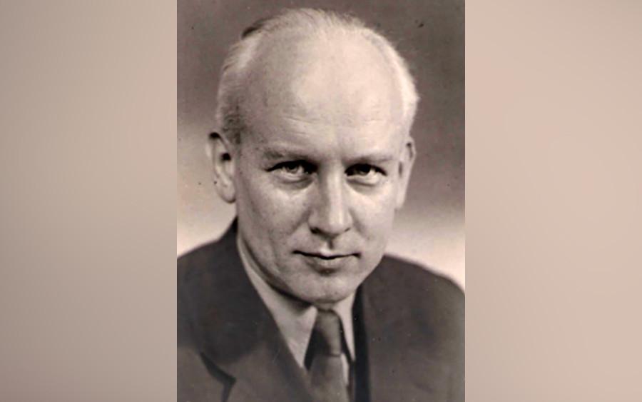 Pável Klushántsev.