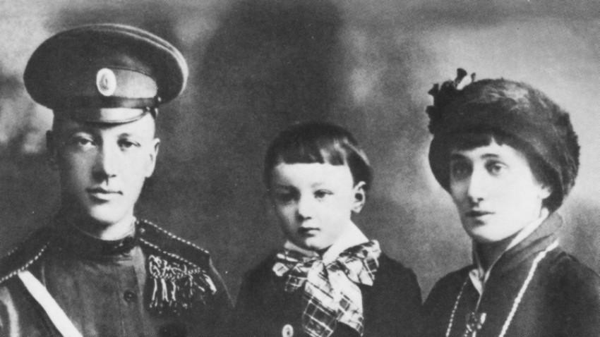 ニコライ・グミリョフ、レフ・グミリョフ、アンナ・アフマートヴァ
