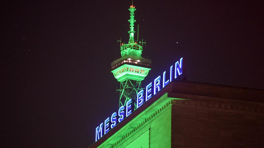 Berliner Funkturm in Grün