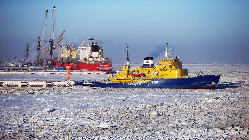 """Производството на течен природен гас во фабриката """"Јамал ЛНГ"""" на рускиот Арктик стартуваше на почетокот на декември 2017 година"""