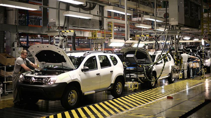 Ligne de montage pour le nouveau crossover Renault Kaptur à l'usine moscovite du groupe.