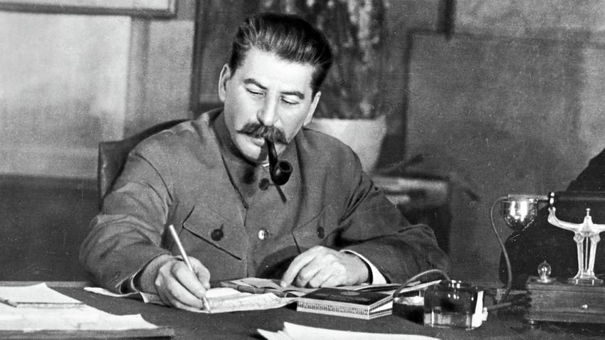 Josef Stalin meluncurkan beberapa kampanye represif selama masa pemerintahannya, termasuk kepada orang-orang Yahudi Soviet.