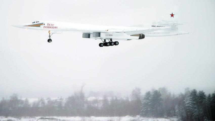 La modernizada versión del bombardero Tu-160.