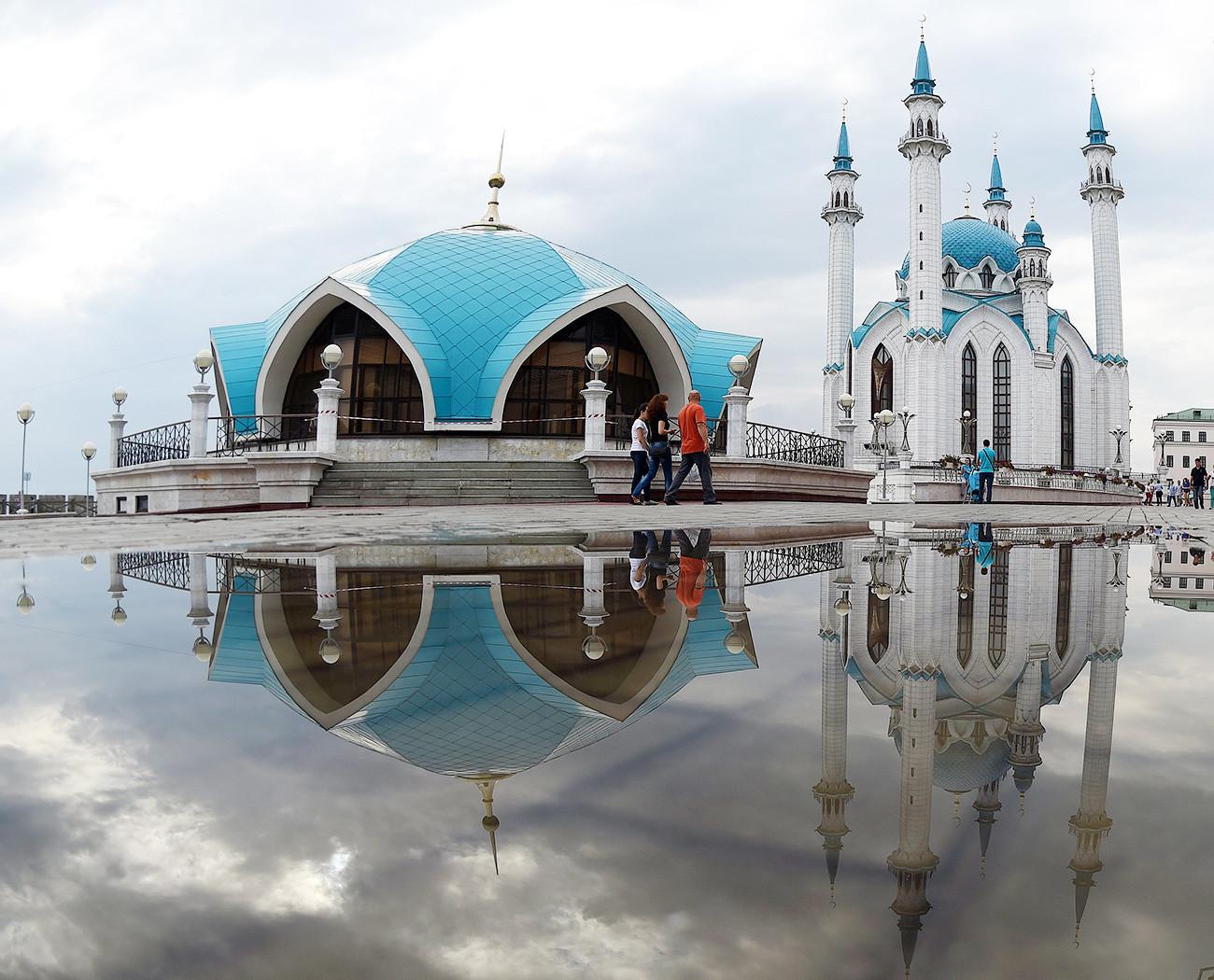 Refleksi Masjid Qol Sharif, Kazan.