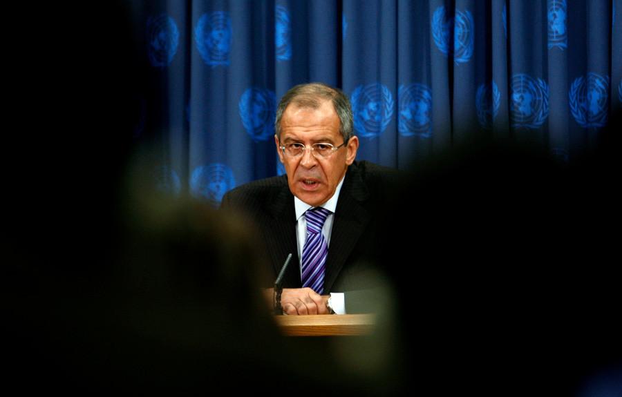 Menteri Luar Negeri Rusia Sergei Lavrov saat berbicara dalam konferensi pers di New York pada 2008.
