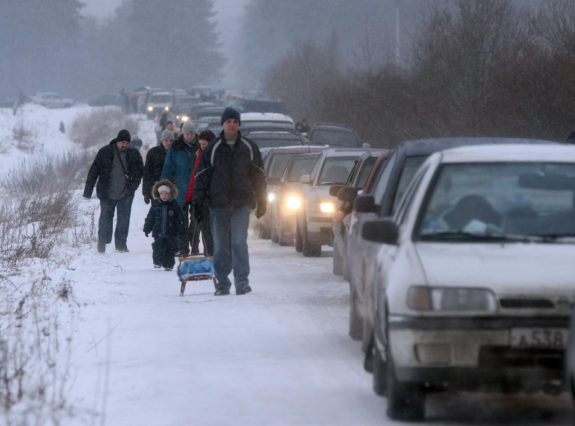 Grenzstau im Gebiet Leningrad, das an Finnland grenzt