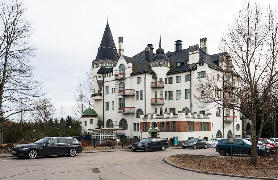Arquitetura finlandesa em Svetogorsk registrada pelas lentes do renomado fotógrafo russo Iliá Varlamov.