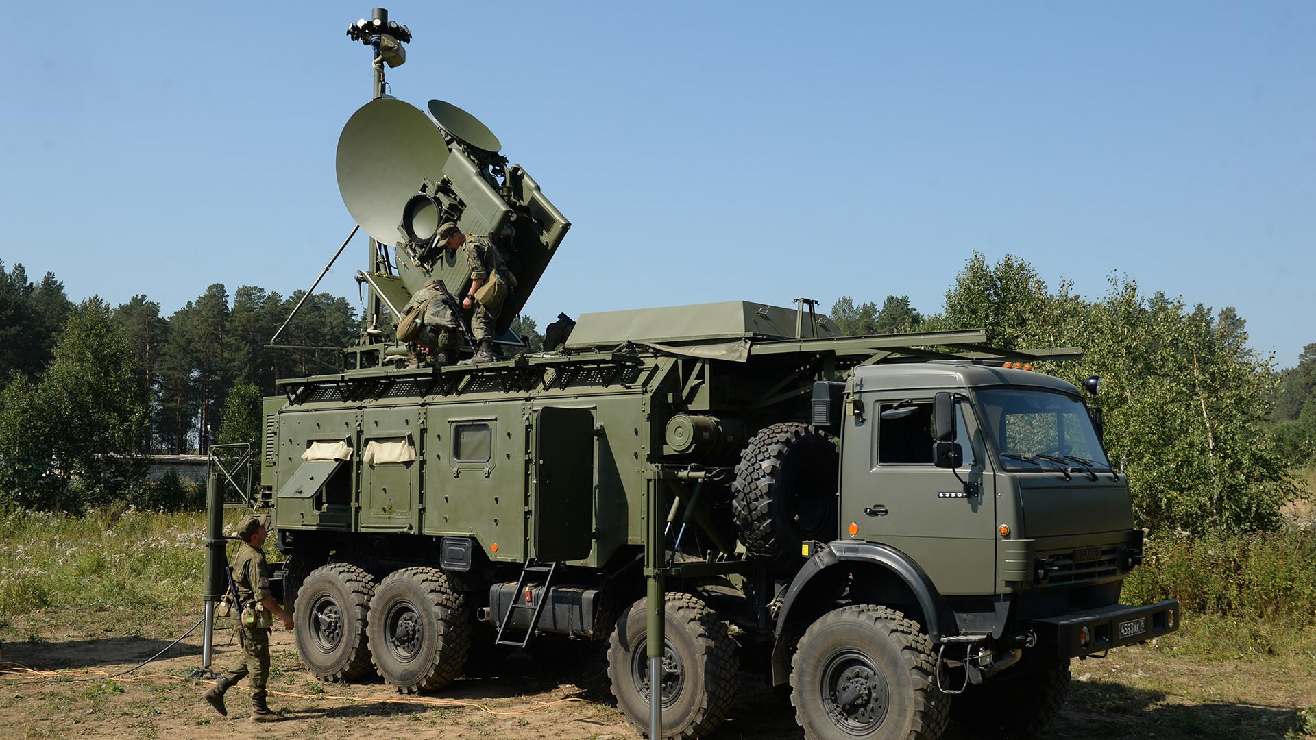 O Krasukha-4 é um veículo radio-eletrônico que pode desligar sistemas computacionais mesmo dos equipamentos militares mais modernos.