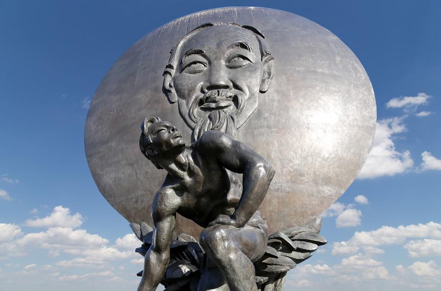 ホー・チ・ミンの像