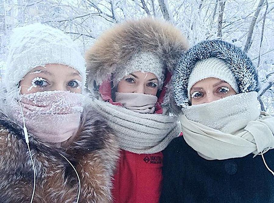 Nastja und ihre Freundinnen in Jakutsk