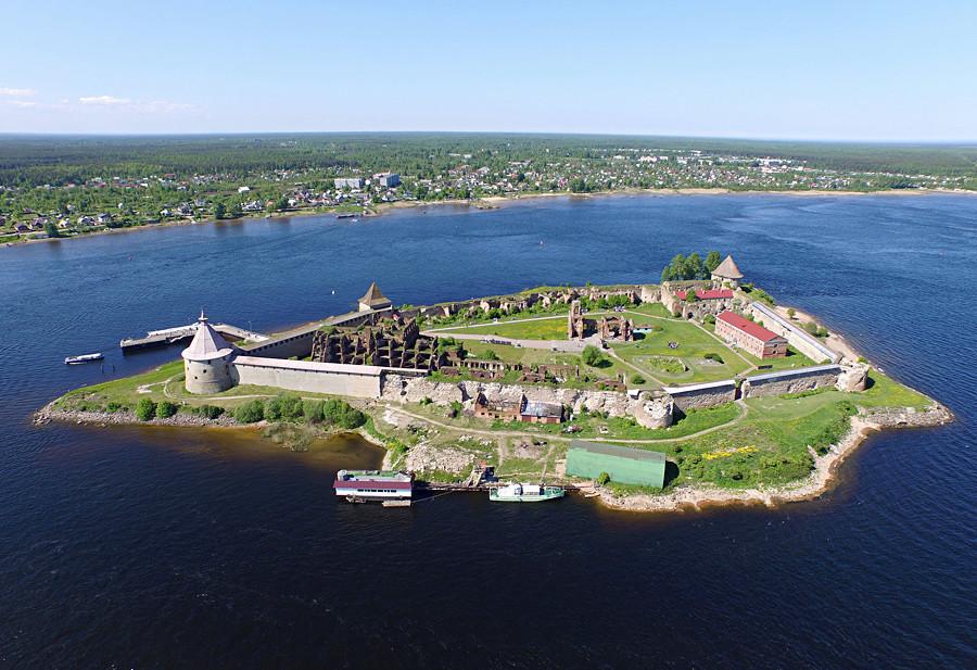 Крепостта Шлиселбург (Орешек)
