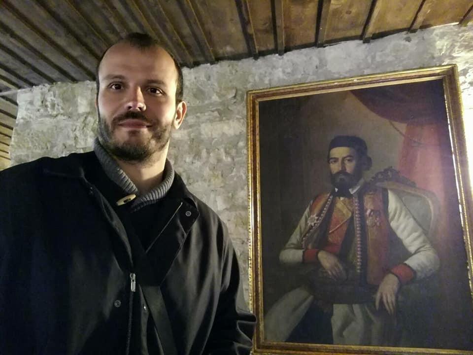 Игор Дамјановић са портретом Петра II Петровића Његоша