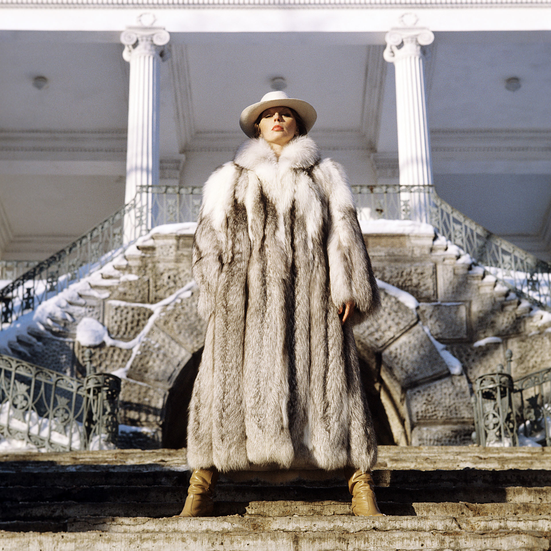 Platina fox overcoat demonstrated at the Leningrad House of Models, 1982