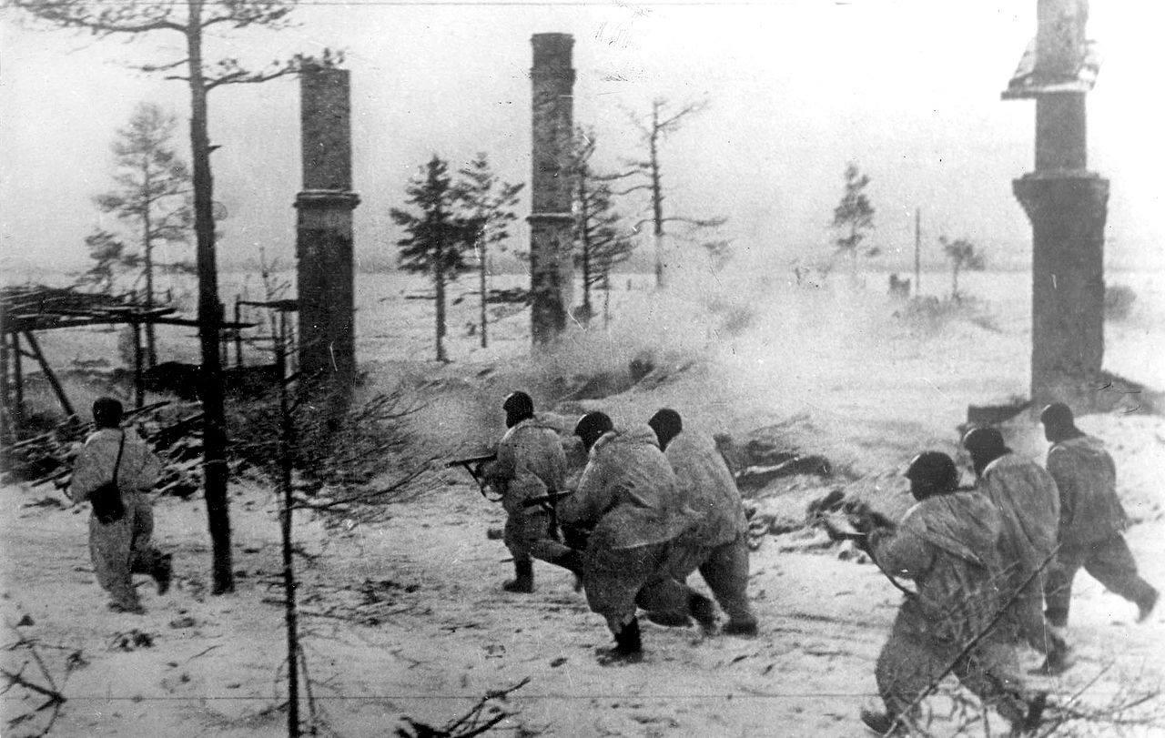 Јуришне јединице Волховског фронта у нападу на непријатеља, јануар 1943.године.