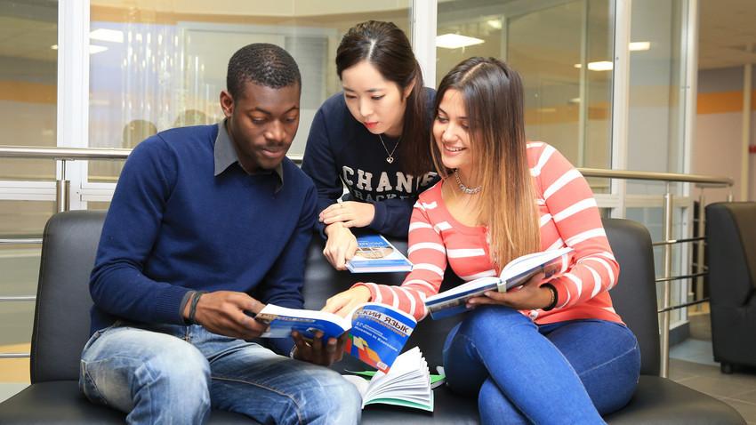 Чуждестранни студенти в Санкт-Петербургския политехнически университет
