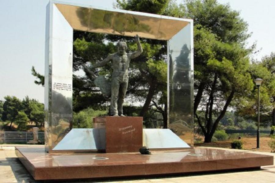 Споменик на Владимир Висоцки во Подгорица.