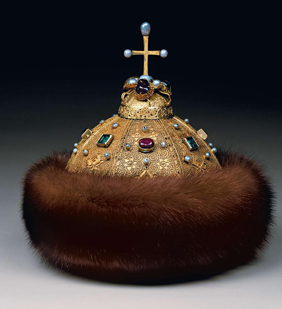 Мономаховата шапка, първата половина на XIV век.
