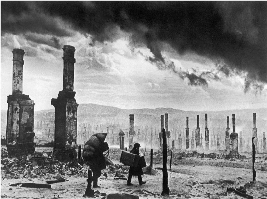Ruševine Murmanska po drugi svetovni vojni.