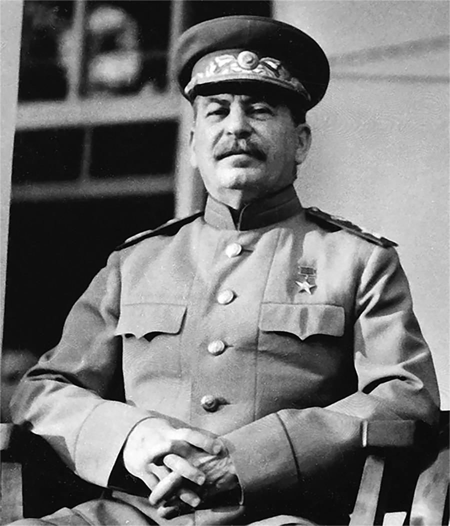 Los prejuicios de Stalin contra los judíos empeoraron considerablemente después de que Israel, que la URSS había ayudado a crear en 1948, eligió a EE UU como aliado.