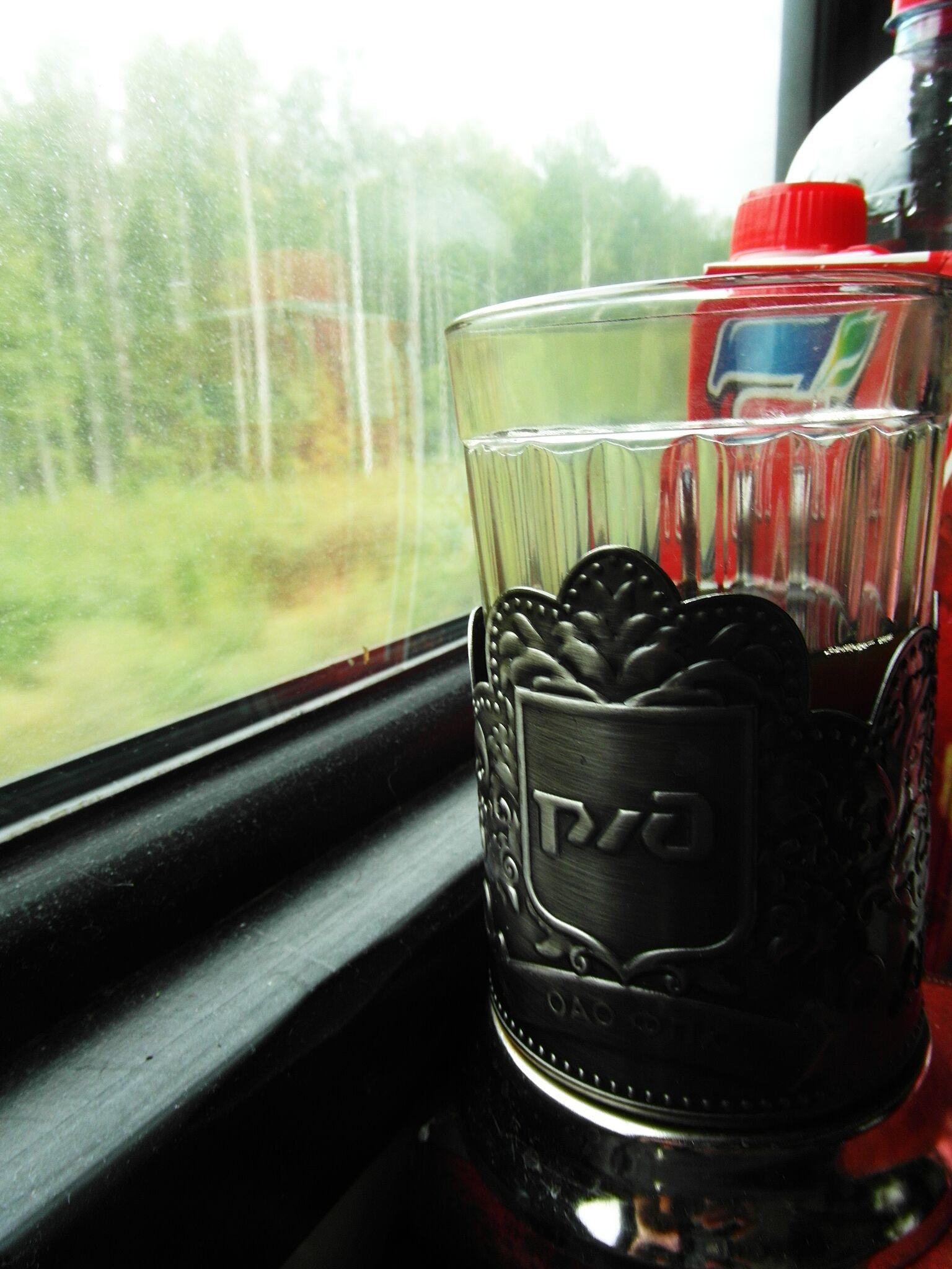 Gelas teh semacam ini sangat cocok untuk perjalanan. Anda juga bisa membelinya sebagai oleh-oleh.
