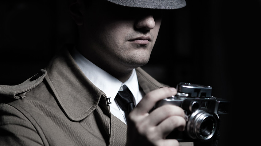Many people want to be detectives, even ones playing detectives in movies