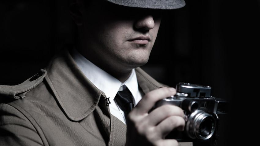 Mnogi ljudi žele biti detektivi, čak i oni koji glume detektive u filmovima.