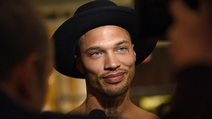 """El modelo estadounidense conocido como """"el criminal más buenorro del mundo"""", Jeremy Meeks, llegó a Moscú para intervenir en un video musical."""