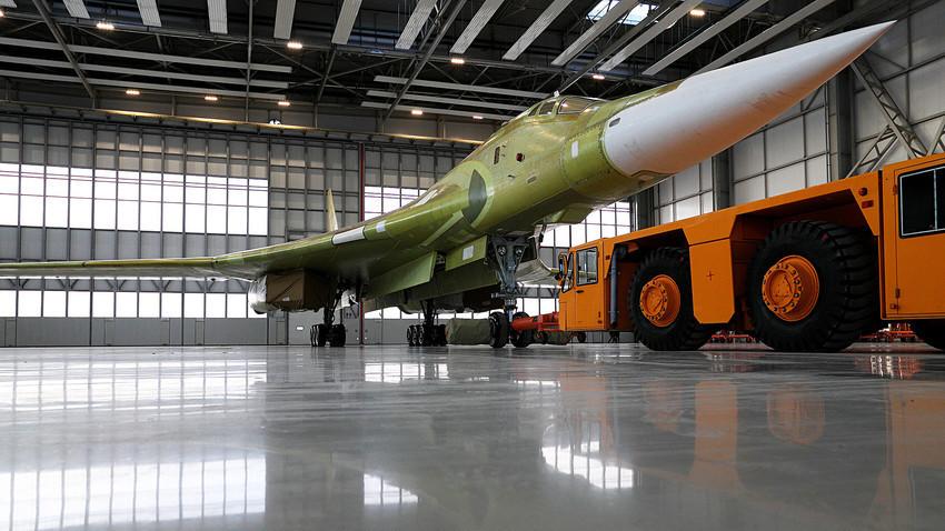 Prototipe Tu-160.