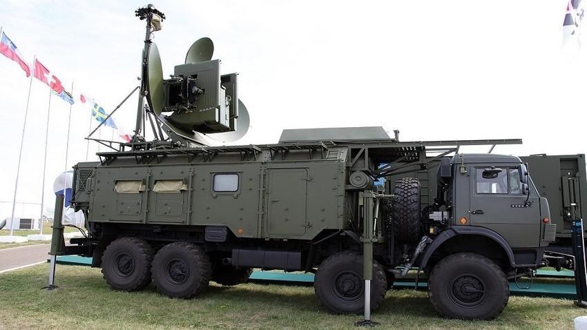 """Мобилна система за радиоелектронна борба """"Красуха-4С""""."""