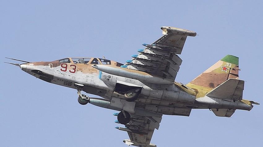 Letalo Su-25.