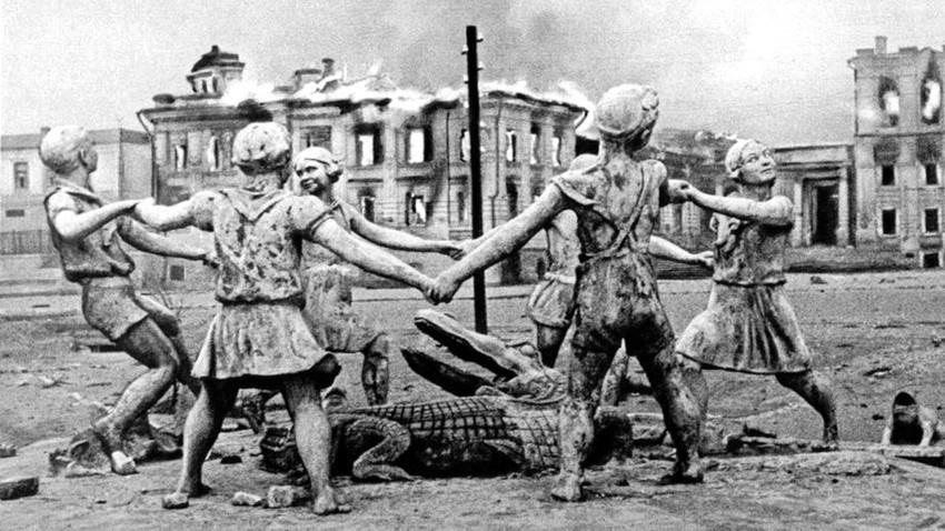 Pertempuran di Stalingrad dimulai setelah bombardir habis-habisan pada 23 Agustus dan berlangsung selama dua bulan.