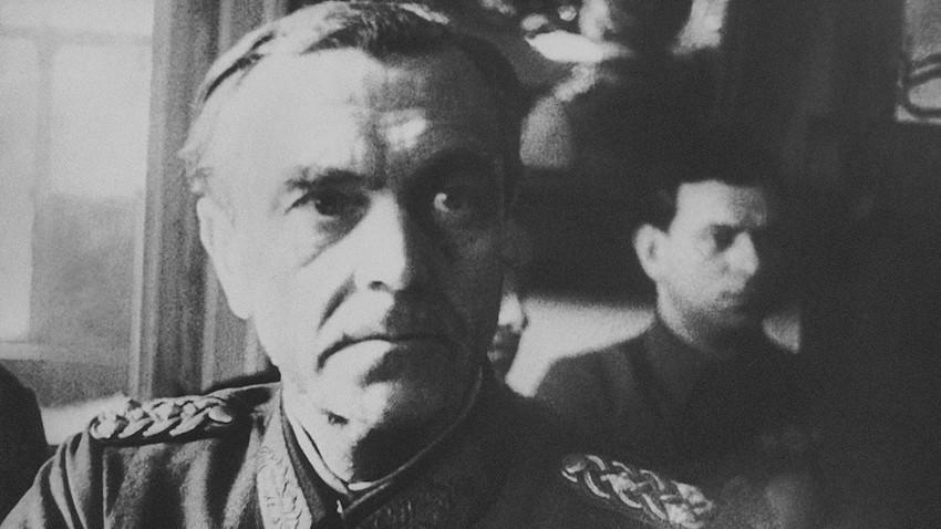 Фридрих Паулус во штабот на Црвената армија во Сталинград, 1 март 1943.