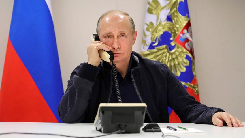 """En 2014 el secretario de prensa de Putin dijo a los periodistas que el presidente utiliza """"otros medios de comunicación""""."""
