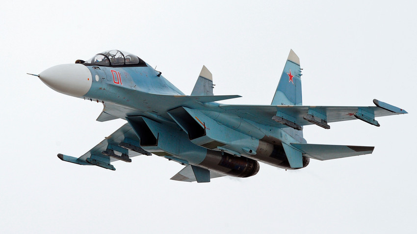 Un caza multipropósito Su-30SM.