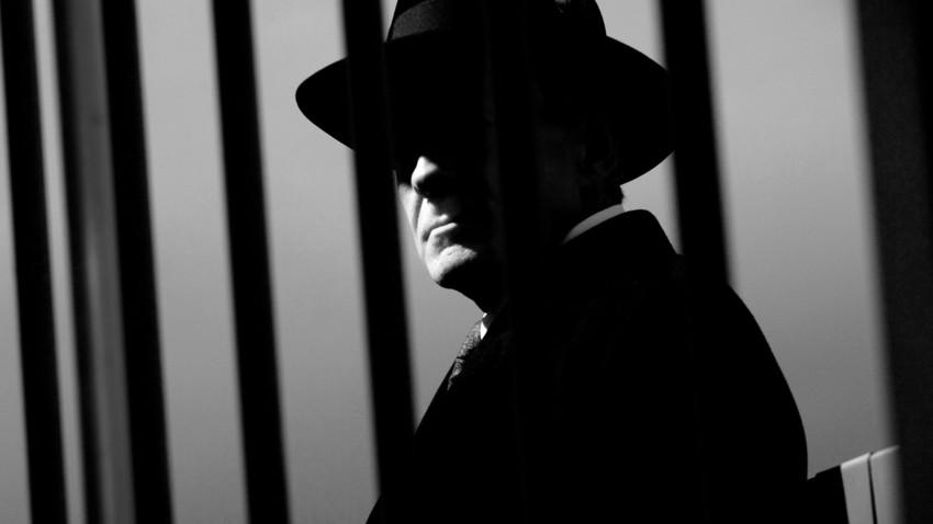 Lelaki dalam bayang-bayang, Pavel Sudoplatov menikmati pengaruh besar selama era Stalin. Namun setelah kematian Stalin, karirnya tamat.
