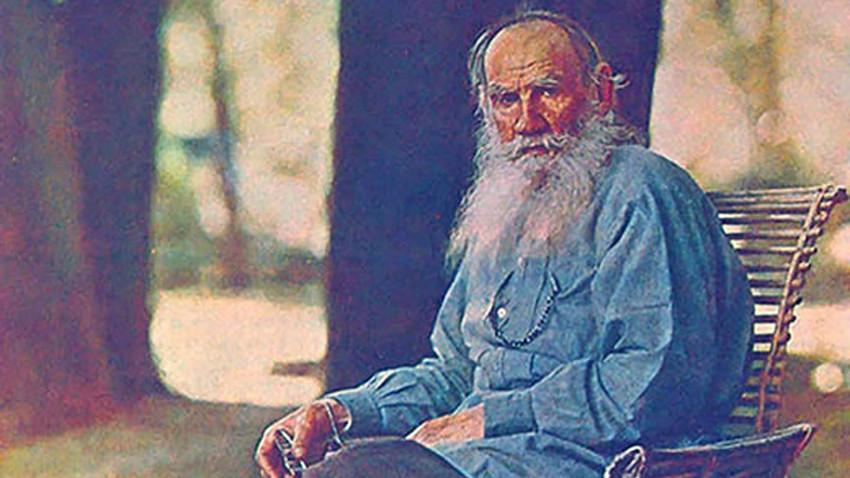 """""""Kdor ubija živali, da bi jih jedel, v sebi brez potrebe zatre najvišje duhovno čustvo - sočutje ter usmiljenje do sebi podobnih živih bitij - in zaradi nasilja nad lastnimi čustvi postane okruten,"""" Lev N. Tolstoj."""