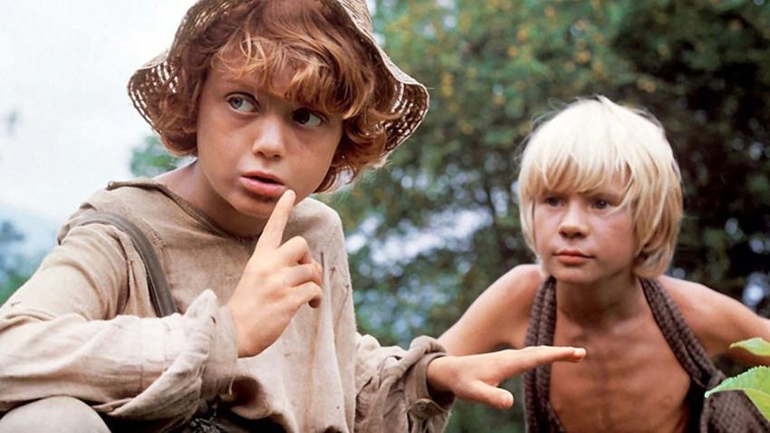 Cena de 'As Aventuras de Tom Sawyer e Huckleberry Finn'.