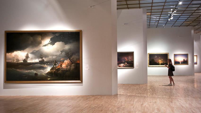 Acervo permanente da Nova Tretyakov, um anexo da famosa galeria moscovita