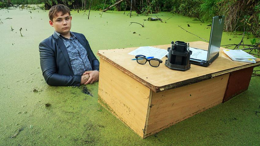 Meme de garoto no pântano viralizou na Rússia em 2016