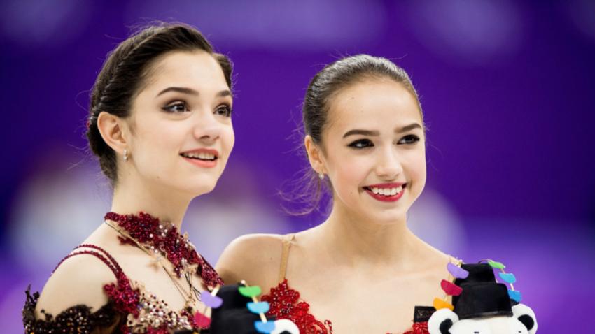 Zagitova (desno) in Medvedjeva (levo)