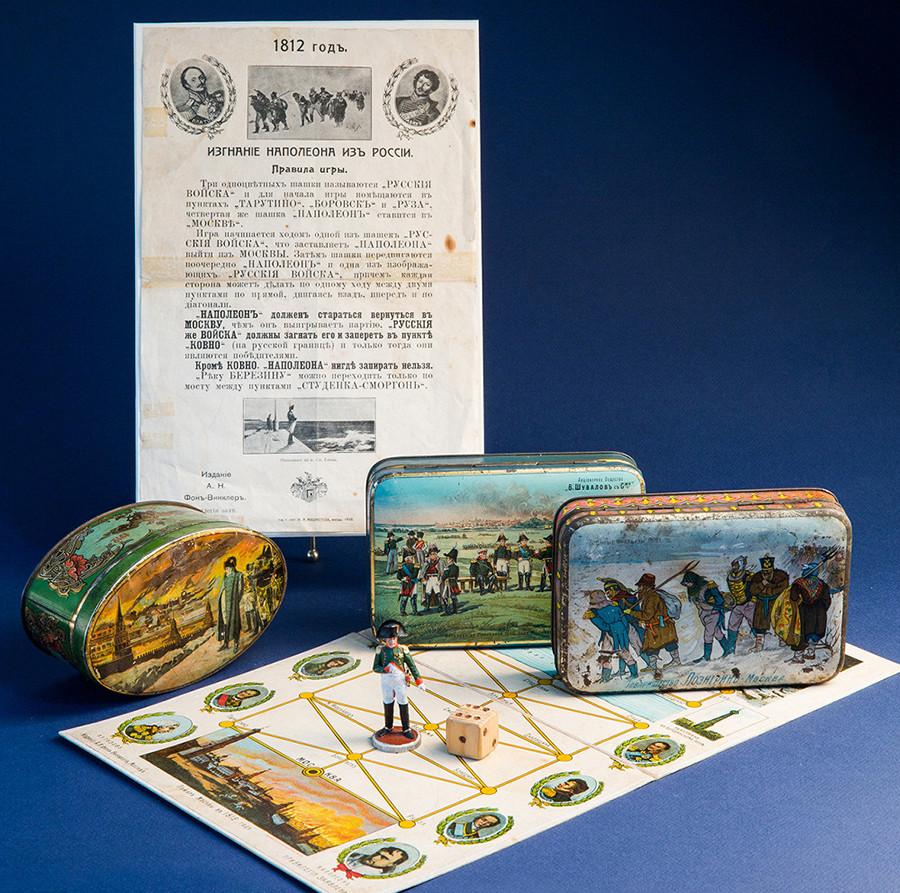 Juegos de mesa y cajas de bombones dedicados a Napoleón.