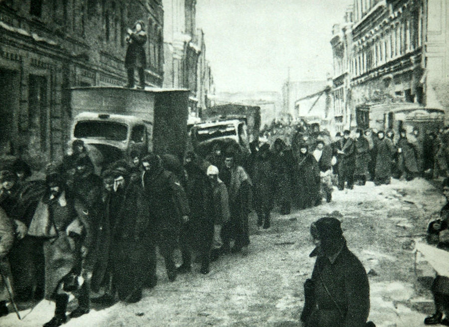 Around 91 000 German prisoners were captured in the battle of Stalingrad