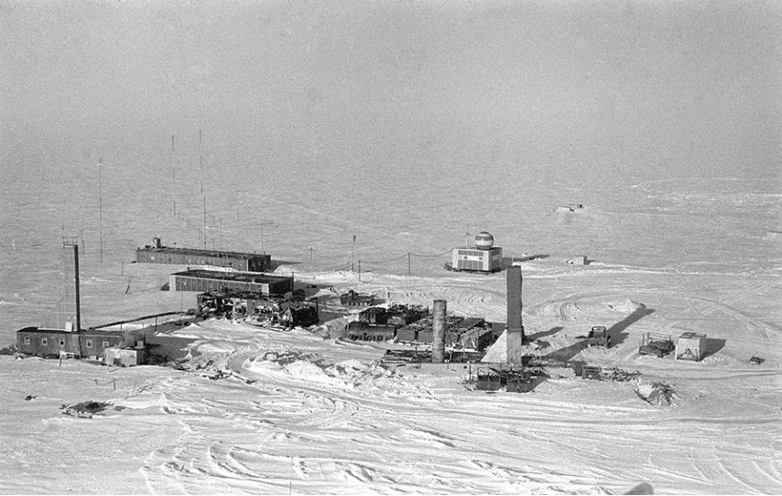 Znanstvenoraziskovalna postaja Vostok na Antarktiki, ki so jo Rusi ustanovili leto dni po postaji Mirni.